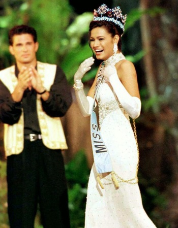 16pageants-diana-hayden