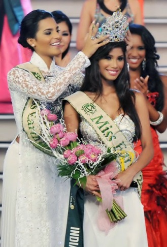 2010-12-06-09-05-21-4-miss-earth-2010-said-an-interview-that-she-wanted