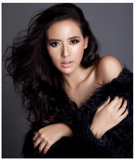 The stars of indonesia are luminous the kaleidoscope of pageantry elvira devinamirag reheart Images