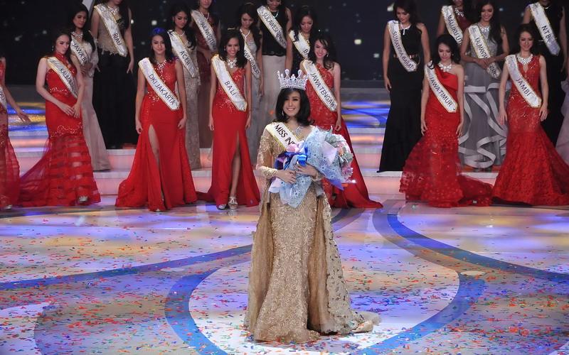 miss-indonesia-2016-natasha-manuella-sosok-muda-berprestasi-X8W2WFUy03.jpg