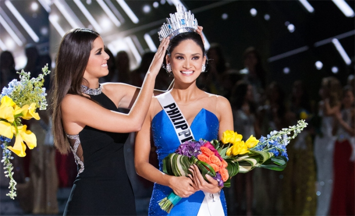 Pia Wurtzbach crowned Miss Universe 2015
