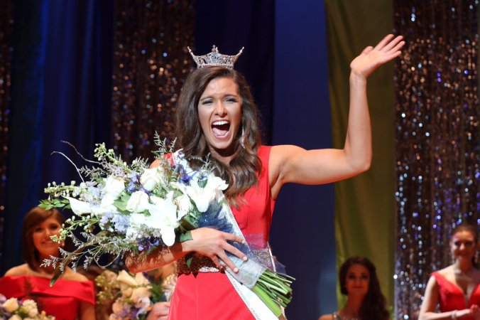 Miss-Nebraska-2016-is-Aleah-Peters-1