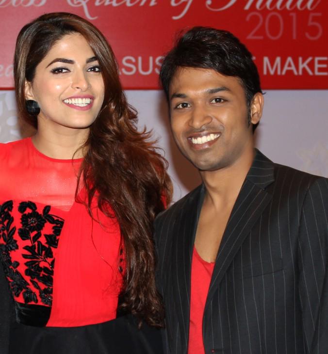 Manoj with Parvathy Omanakuttan.jpg