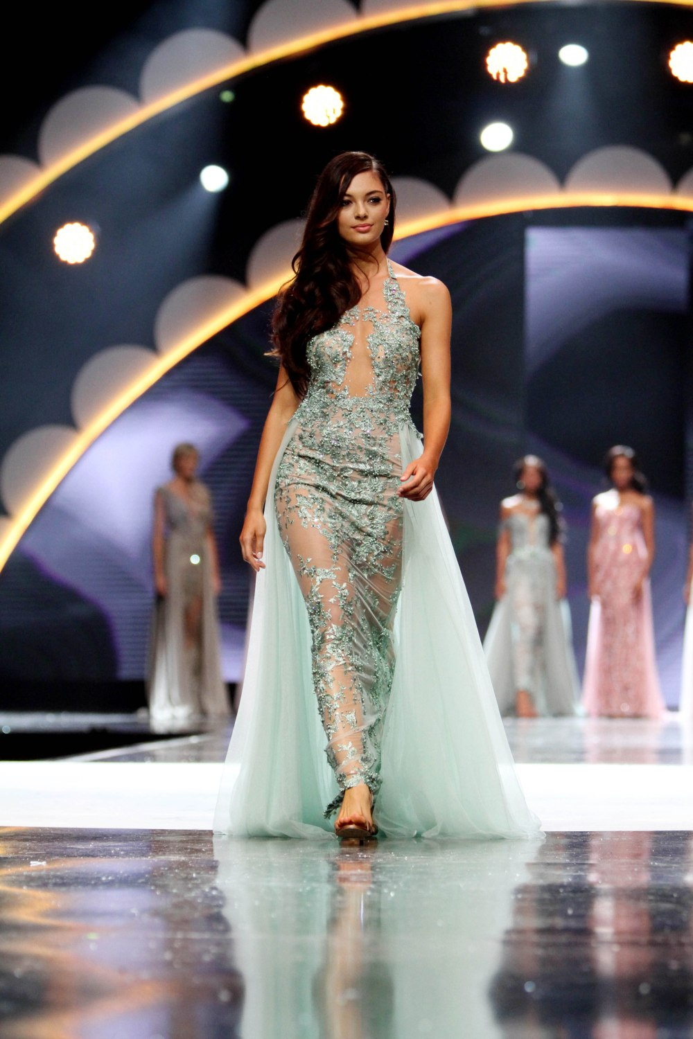 Demi Leign Neil PETERS mISS SOUTH AFRICA.jpg