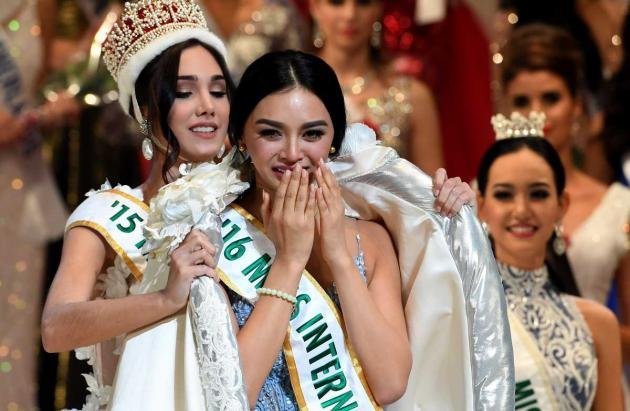 kylie verzosa crowns her successor in tokyo november 14 2017