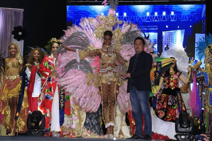 panama best national costume miss united continents 2017.jpg