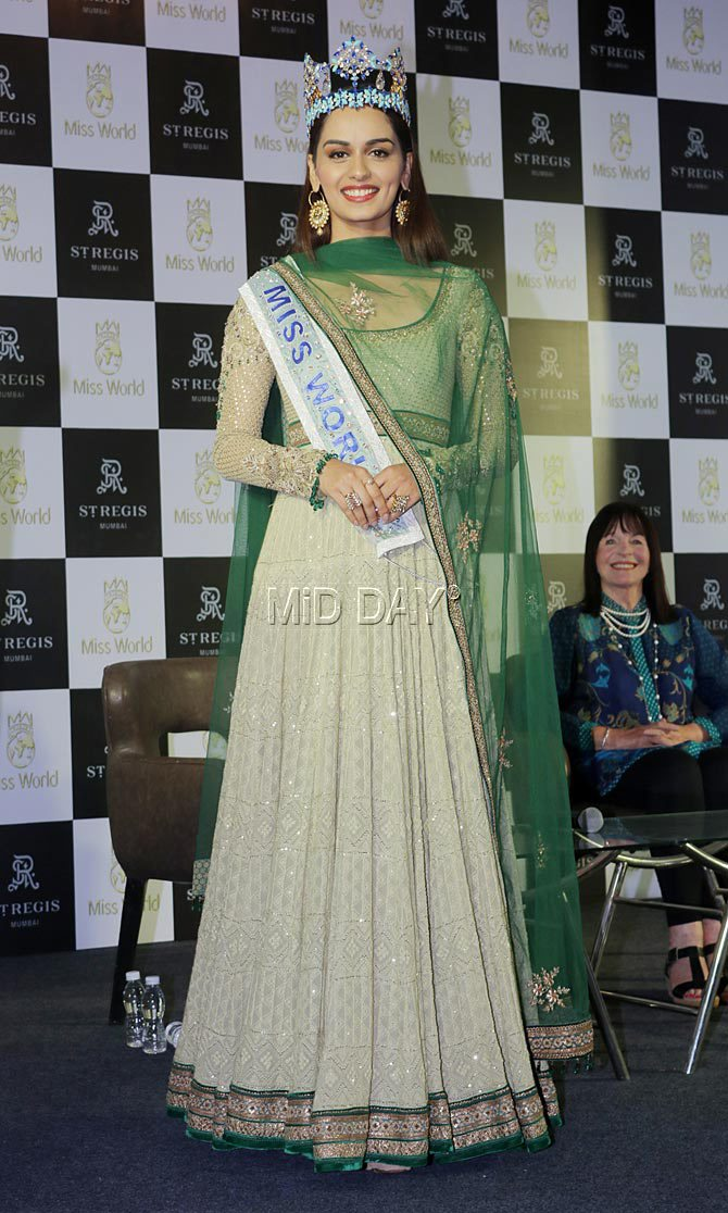 manushi chhillar press conference mumbai