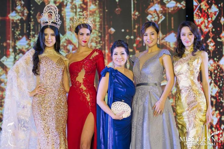 Miss Grand China 2018 Crowned.jpg