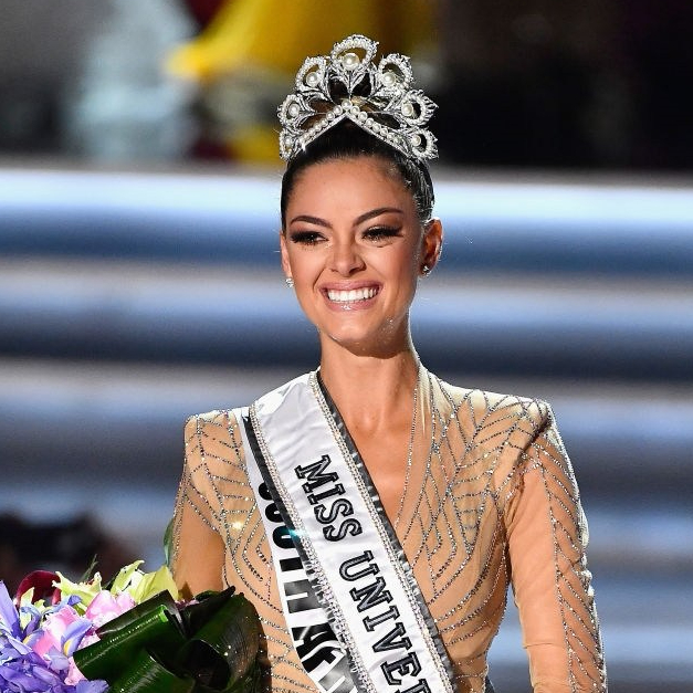 Miss Universe 2017 South Africa Demi Leigh Nel Peters Crowning