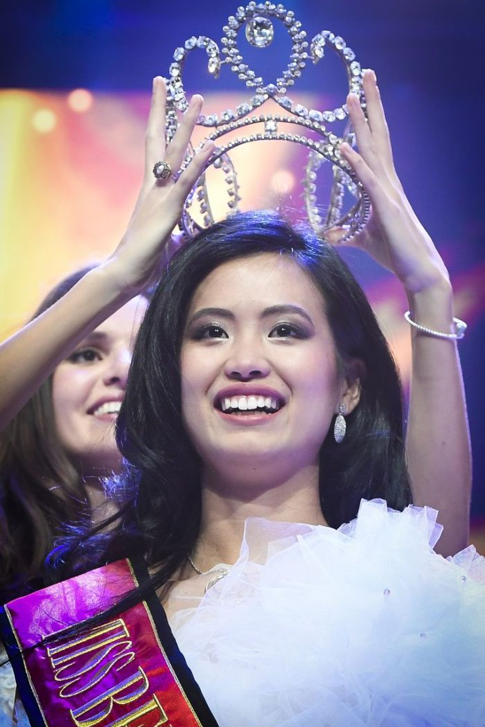 Angeline Flor Pua Miss Belgium 2018 crowning