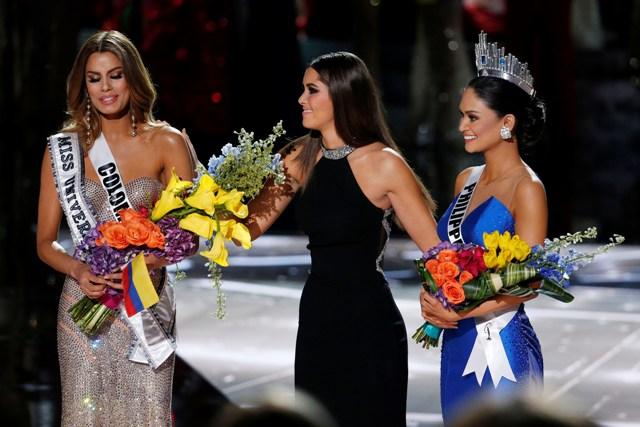 paulina vega crowning miss universe 2014 pia ariadna.jpg